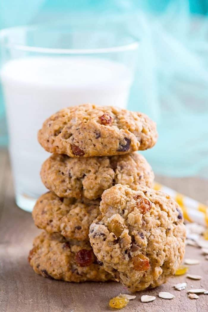 The best Spicy Oatmeal Raisin Cookies recipe from @kitchenmagpie.