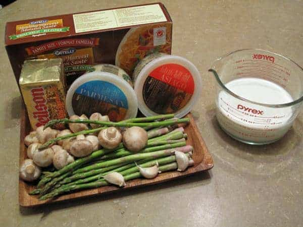ingredients needed in making Alfredo sauce with mushrooms and asparagus