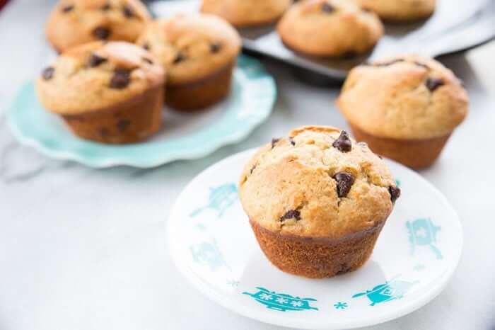 Banana Muffins on a vintage Hazel Atlas turquoise KitchenAids plate