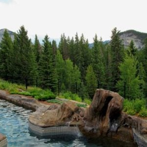 hot tubs with an amazing view of mountains and trees