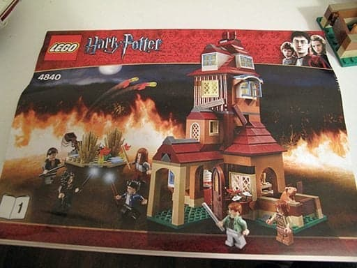 A box of The Burrows Lego Set