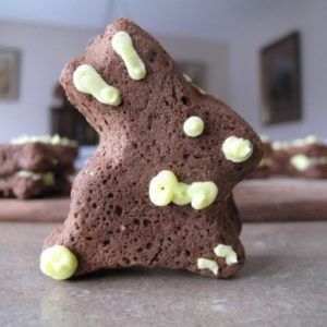 Chocolate Easter Whoopie Pie: Bunny Style