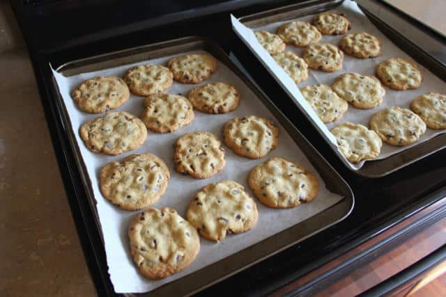 Chocolate Chip Cookie Recipe: Crispy, Crunchy Delights