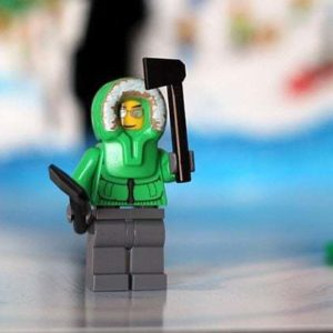 The Arctic Explorer lego with two axes