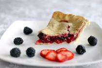 blackberrystrawberrypie1