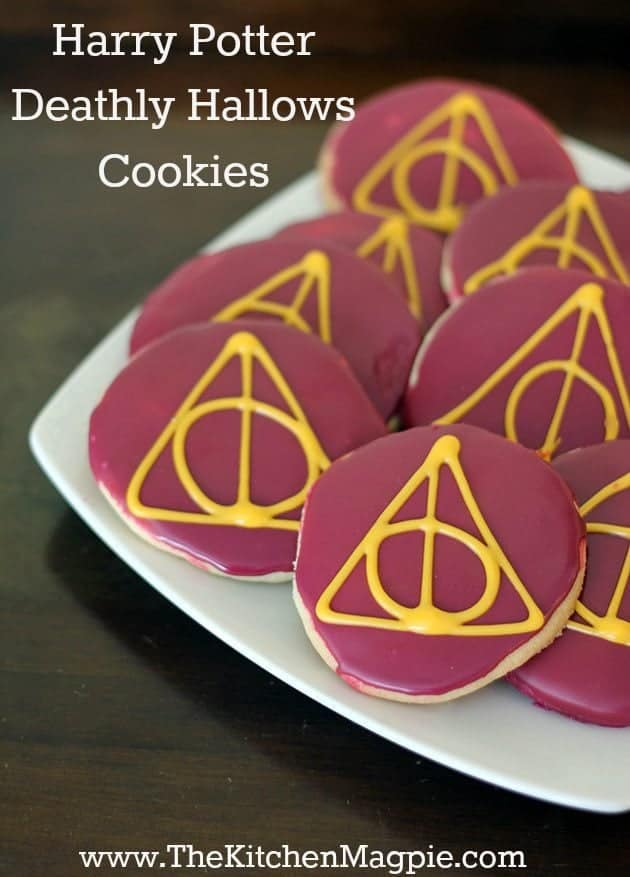 Are you a Harry Potter fan? Then you are going to love these delicious and easy Deathly Hallows sugar cookies!  #harrypotter #cookies #sugarcookies #halloween