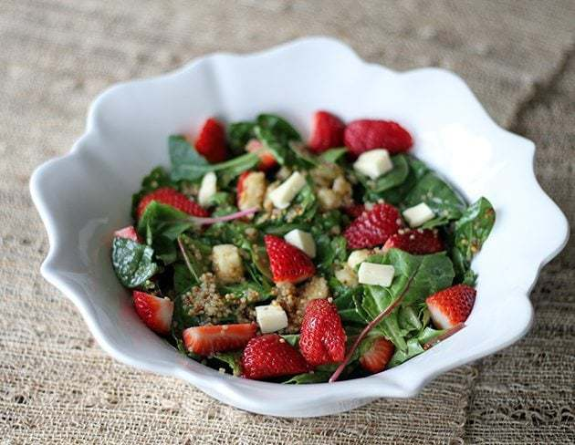 strawberryquinoasaladwithbrie