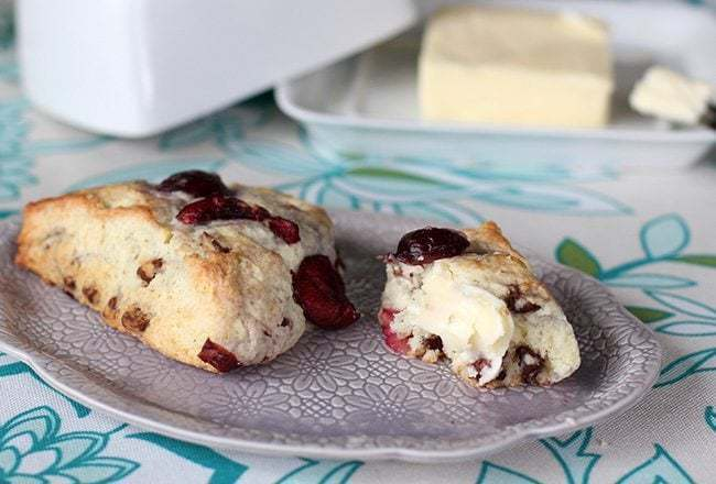 chocolatecherryscones10