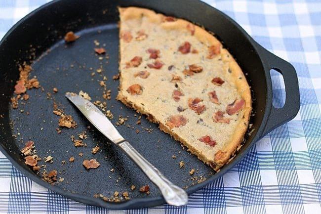 baconchocolatechipskilletcookie3