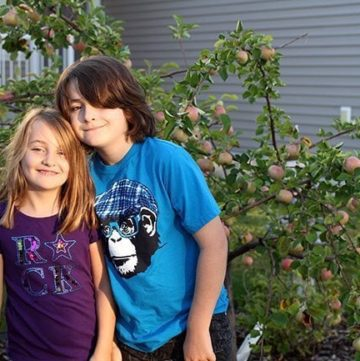 "Mom Fail: The Reality Behind Our ""First Day of School"" Pictures"