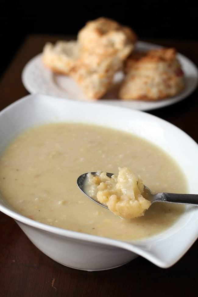 cheeseycauliflowersoup2