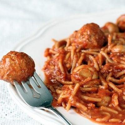 Healthy Crockpot Spaghetti & Meatballs