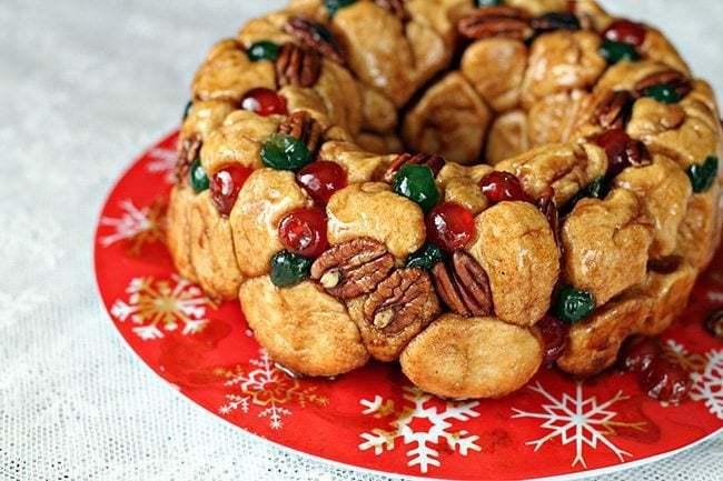 Christmas Bread.Christmas Monkey Bread