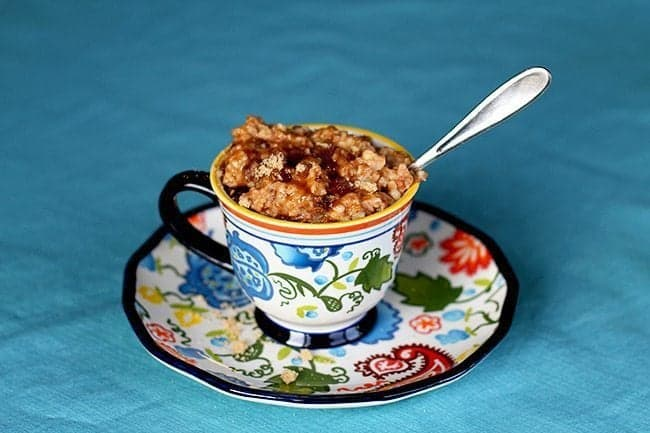 Cinnamon Raisin Crockpot Oatmeal from @kitchenmagpie