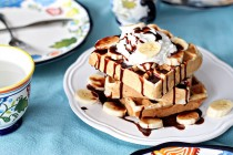 BananaBreadWafflesWithNutella2