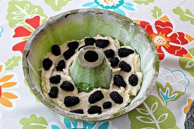 blackberrycoconutbundt2
