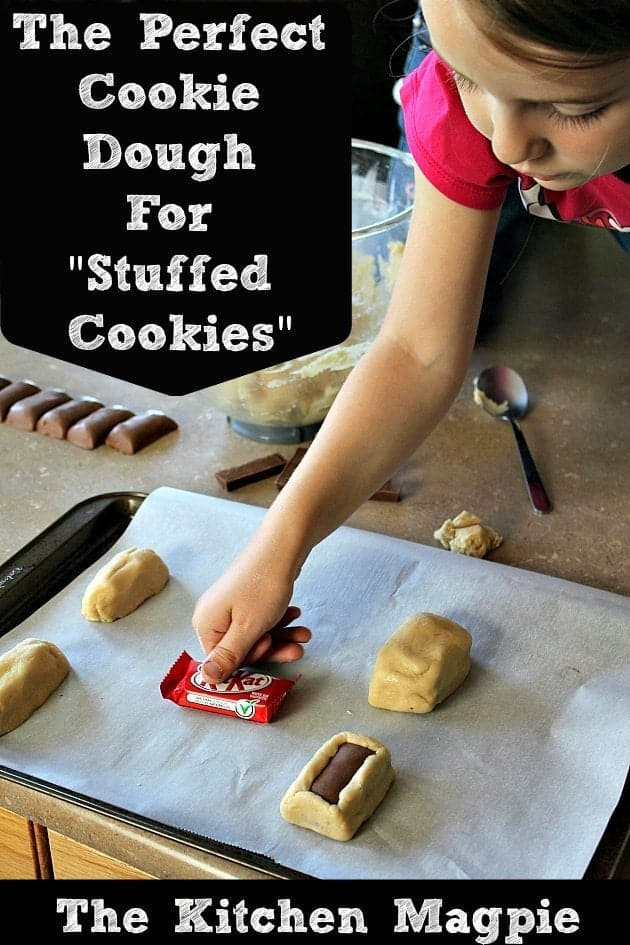 This is also a beautiful dough to use when you are baking with your kids. It's easy to make, it's not too sticky and they will have so much fun making stuffed cookies with you!