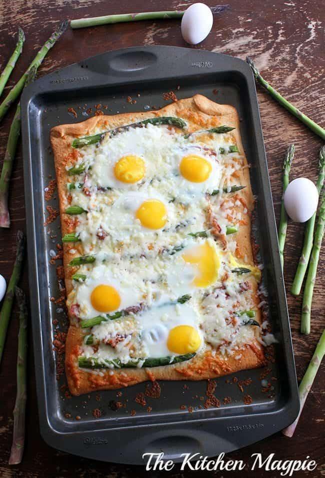 asparagusbreakfastpizza1m
