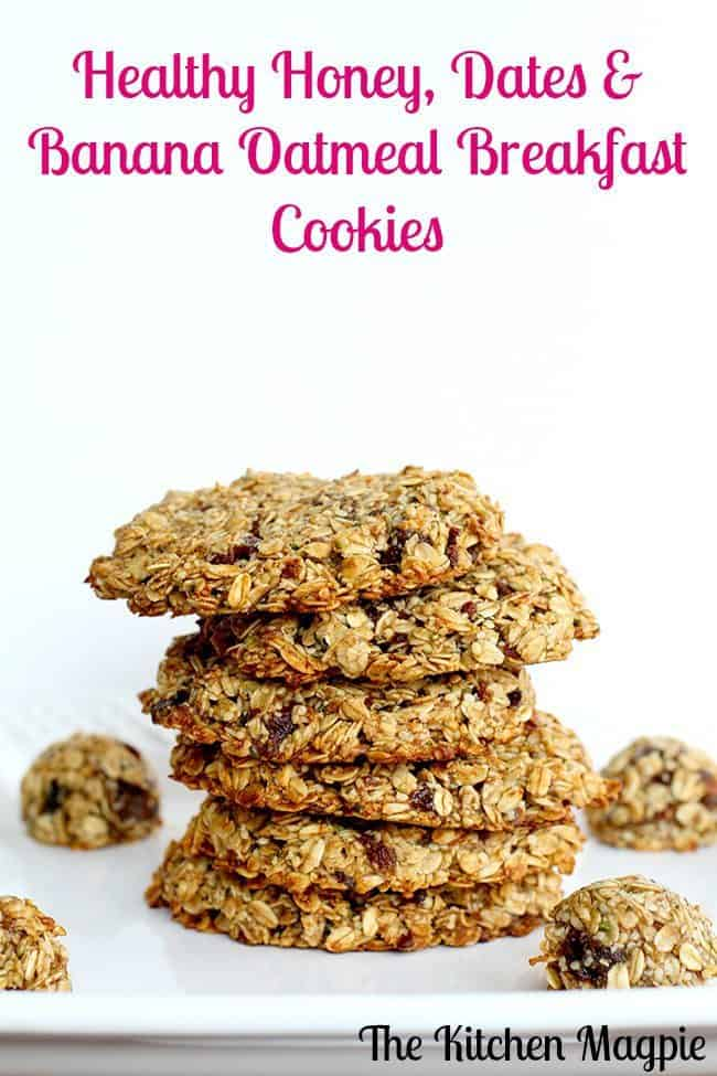 Healthy Banana Date Oatmeal Breakfast Cookies! #healthy #oatmeal #dates #banana