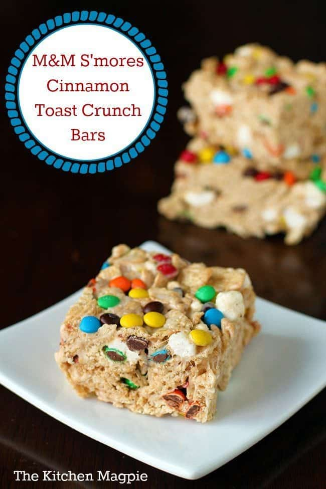 Delicious M&M S'Mores Cinnamon Toast Crunch Cereal Bars, perfect for camping! These cereal bars are amazing! #camping #bars #cereal #chocolate