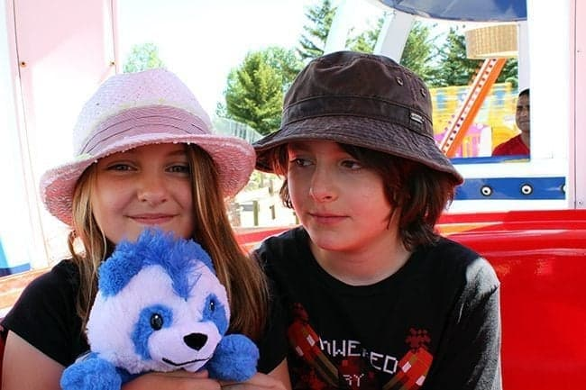 young girl and boy photo at the Balloon Ascension