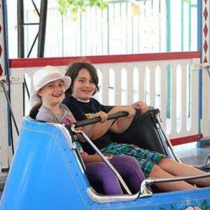 kids enjoying the paddle wheeler ride