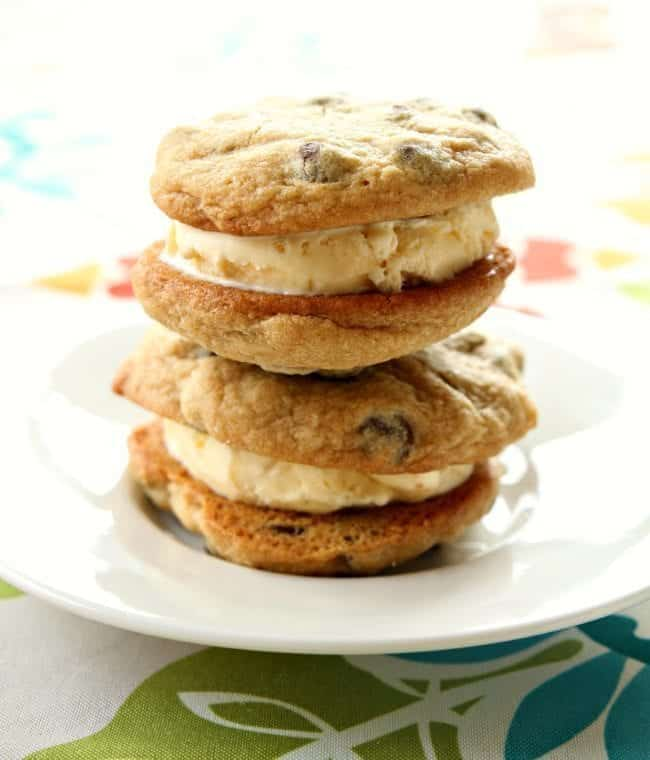 chocolatechipcookieicecreamsandwiches1m