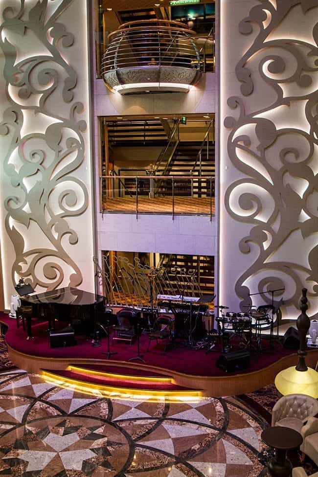 Royal Caribbean's Brilliance of the Seas Centrum