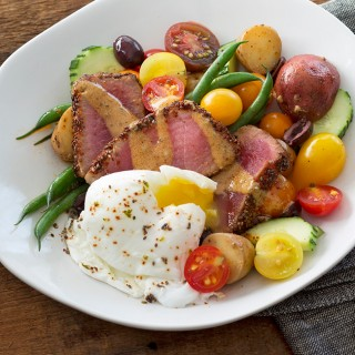 BLENDS-WITH-BENEFITS---Chia-Crusted-Nicoise-Salad-square1