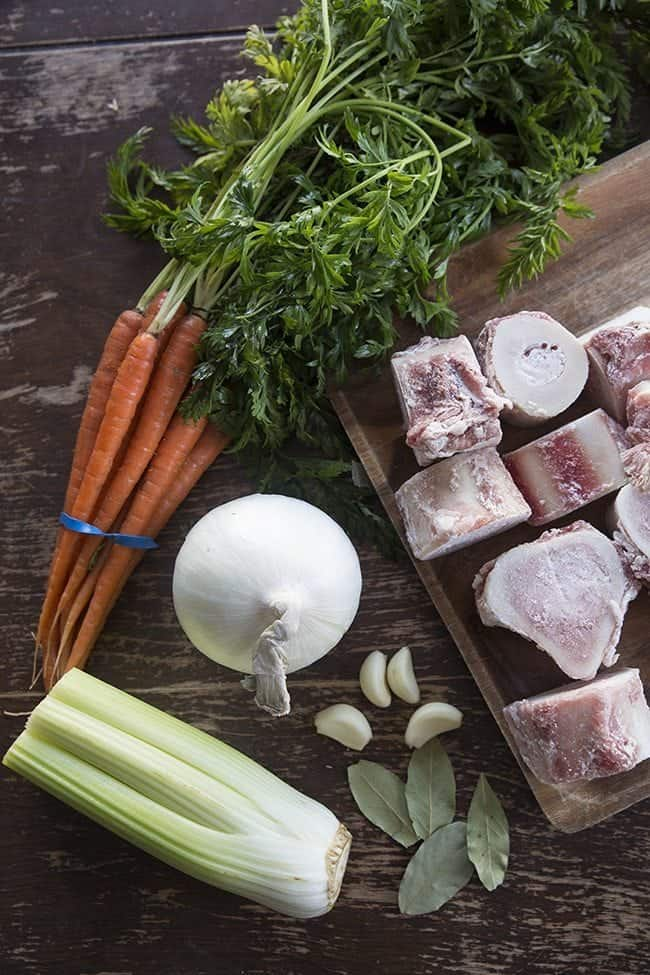 How to Make Crockpot Bone Broth from @kitchenmagpie
