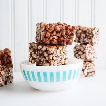 Chewy-Chocolate-Puffed-Wheat-Squares
