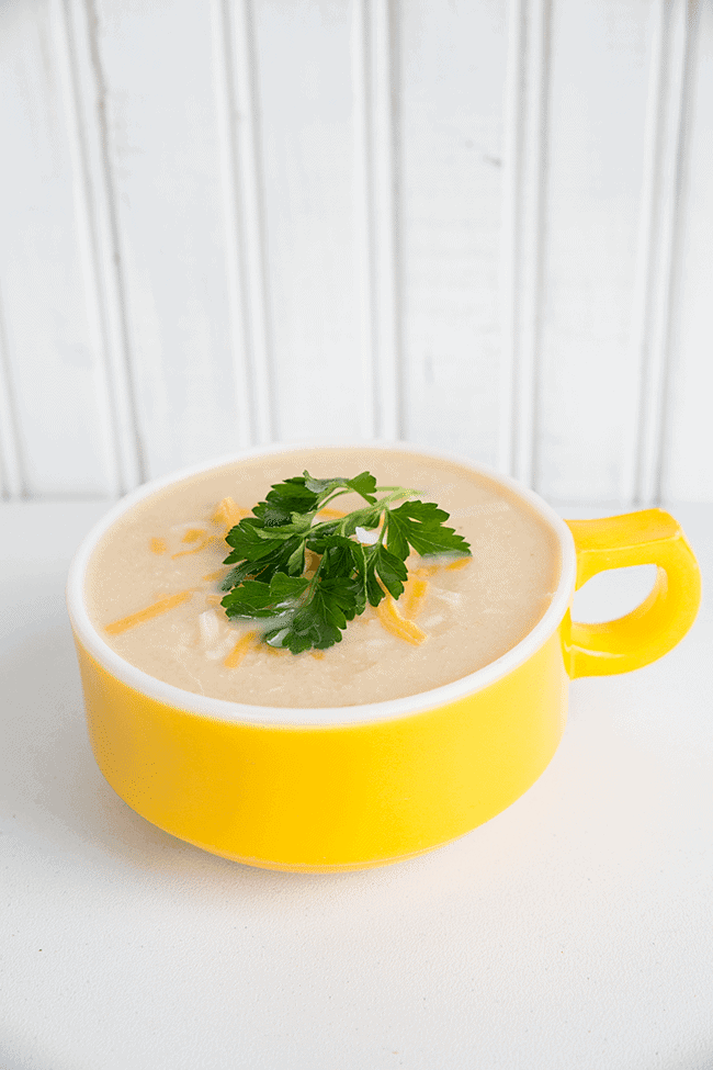Cream of Chicken & Cauliflower Soup from @kitchenmagpie