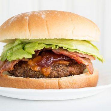 Peanut-Butter-&-Jam-Sriracha-Bacon-Burger3