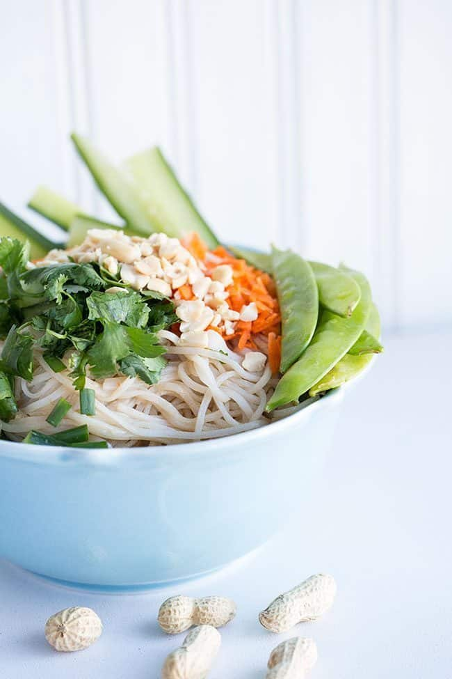 Fresh Thai Peanut Vegetable Noodle Bowl from @kitchenmagpie