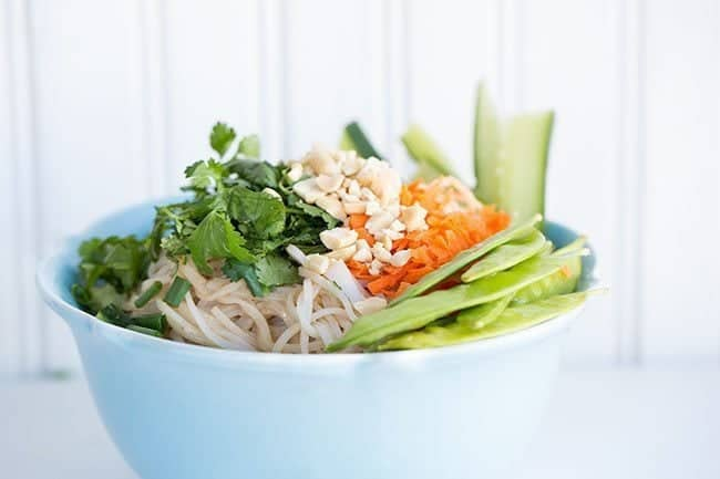 Fresh Thai Peanut Vegetable Noodle Bowl