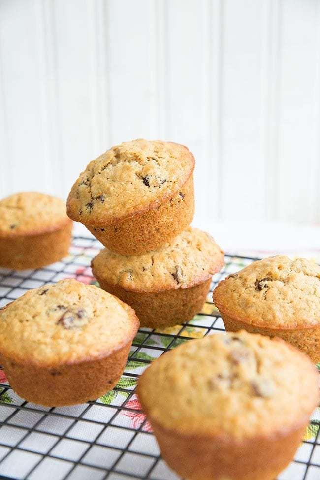 Oatmeal-Raisin-Muffins