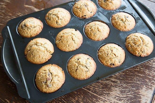 Oatmeal-Raisin-Muffins5