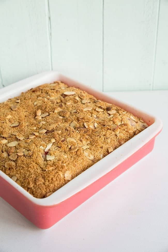 Strawberry Plum Crumble Cake from @kitchenmagpie