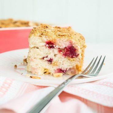 Strawberry-Plum-Crumble-Cake2