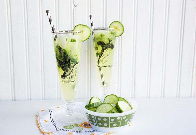 How to make a Cucumber Mint Gin Fizz from @kitchenmagpie
