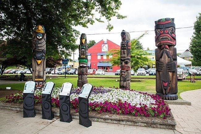 four totem poles walk