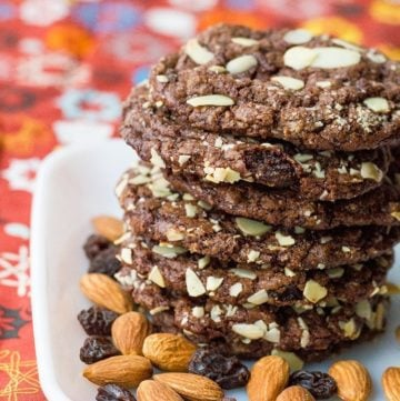 Old Fashioned Chewy Chocolate Raisin Cookies