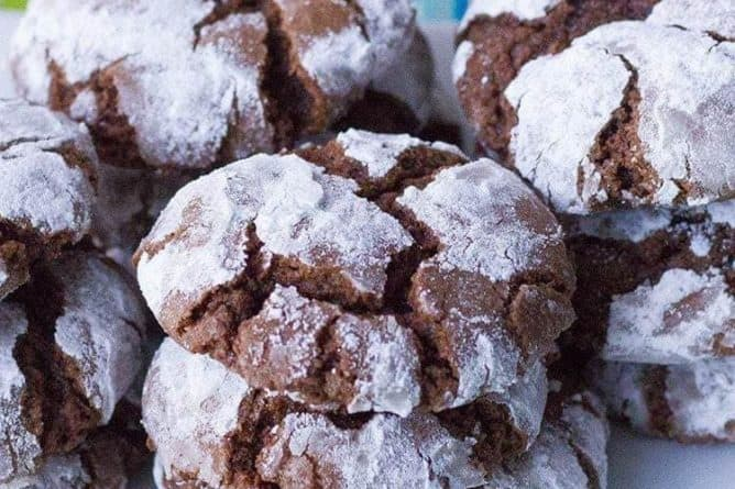 Classic Chocolate Crinkle Cookies Recipe The Kitchen Magpie