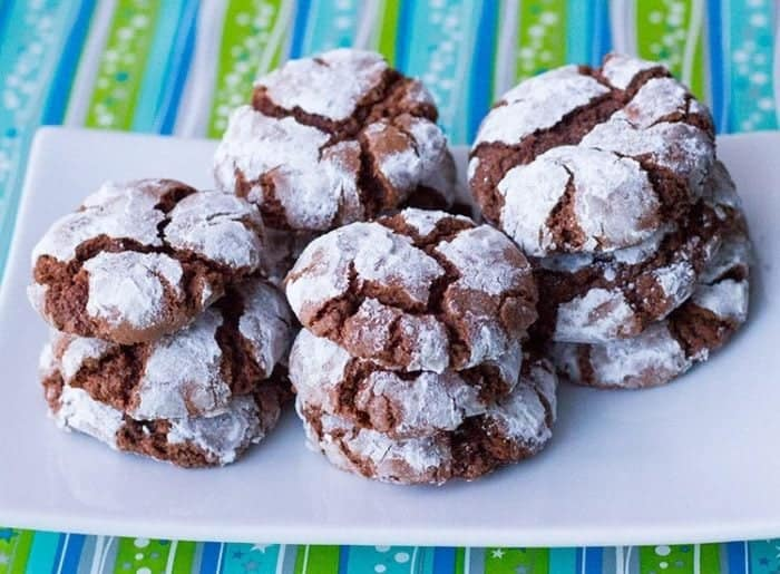 Classic Chocolate Crinkle Cookies Recipe from @kitchenmagpie