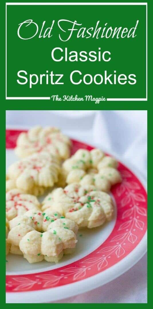 How to make Old Fashioned Classic Spritz Cookies. These buttery cookies are perfect for making cookie press cookies! #christmas #cookies #spritz