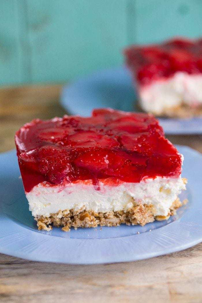 Strawberry Pretzel Dessert Salad from @kitchenmagpie