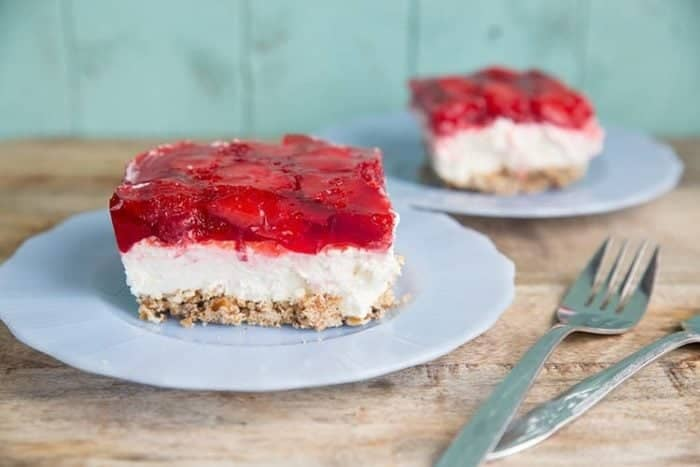 Strawberry Pretzel Salad / Dessert