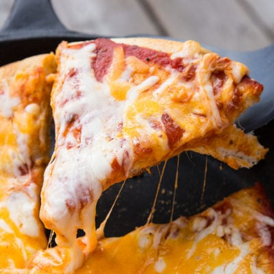 How to Make Campfire Pizza