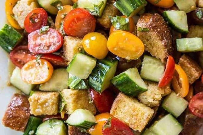 close up Summer Panzanella Salad