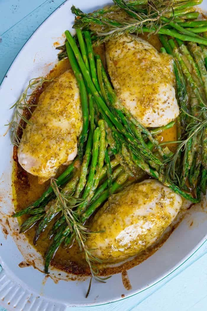 Rosemary Lemon Chicken and Asparagus Dinner - so fast and easy to make!